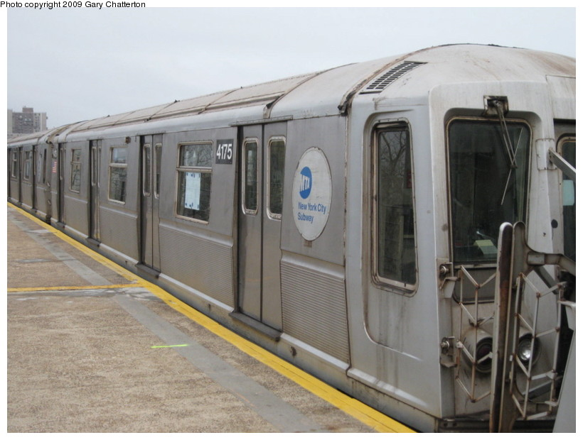 (121k, 820x620)<br><b>Country:</b> United States<br><b>City:</b> New York<br><b>System:</b> New York City Transit<br><b>Line:</b> IND Rockaway<br><b>Location:</b> Beach 67th Street/Gaston Avenue <br><b>Route:</b> A<br><b>Car:</b> R-40 (St. Louis, 1968)  4175 <br><b>Photo by:</b> Gary Chatterton<br><b>Date:</b> 4/1/2009<br><b>Viewed (this week/total):</b> 3 / 393