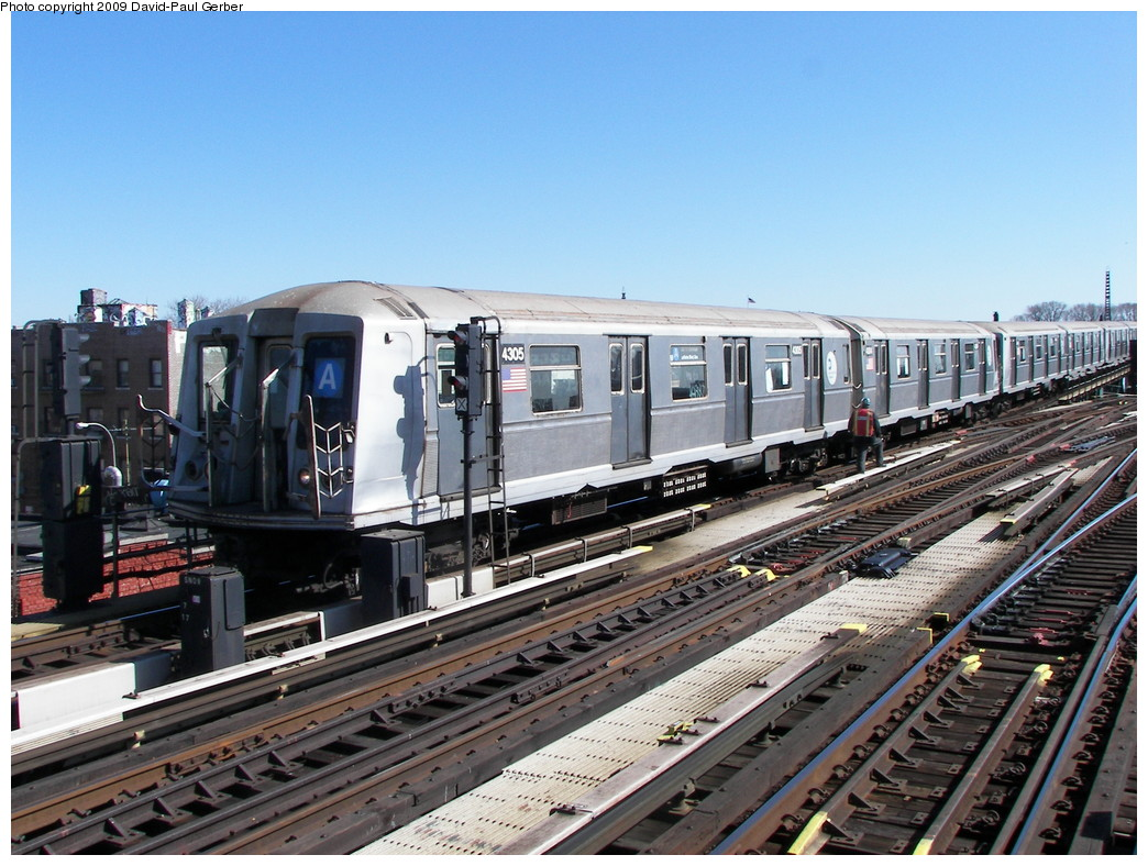 (300k, 1044x788)<br><b>Country:</b> United States<br><b>City:</b> New York<br><b>System:</b> New York City Transit<br><b>Line:</b> IND Fulton Street Line<br><b>Location:</b> Rockaway Boulevard <br><b>Route:</b> A<br><b>Car:</b> R-40 (St. Louis, 1968)  4305 <br><b>Photo by:</b> David-Paul Gerber<br><b>Date:</b> 3/21/2009<br><b>Viewed (this week/total):</b> 0 / 390