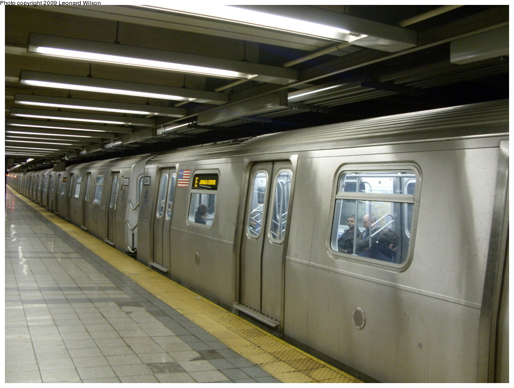 (225k, 1044x788)<br><b>Country:</b> United States<br><b>City:</b> New York<br><b>System:</b> New York City Transit<br><b>Line:</b> IND 8th Avenue Line<br><b>Location:</b> Canal Street-Holland Tunnel <br><b>Route:</b> E<br><b>Car:</b> R-160A (Option 1) (Alstom, 2008-2009, 5 car sets)  9338 <br><b>Photo by:</b> Leonard Wilson<br><b>Date:</b> 3/30/2009<br><b>Viewed (this week/total):</b> 3 / 1716