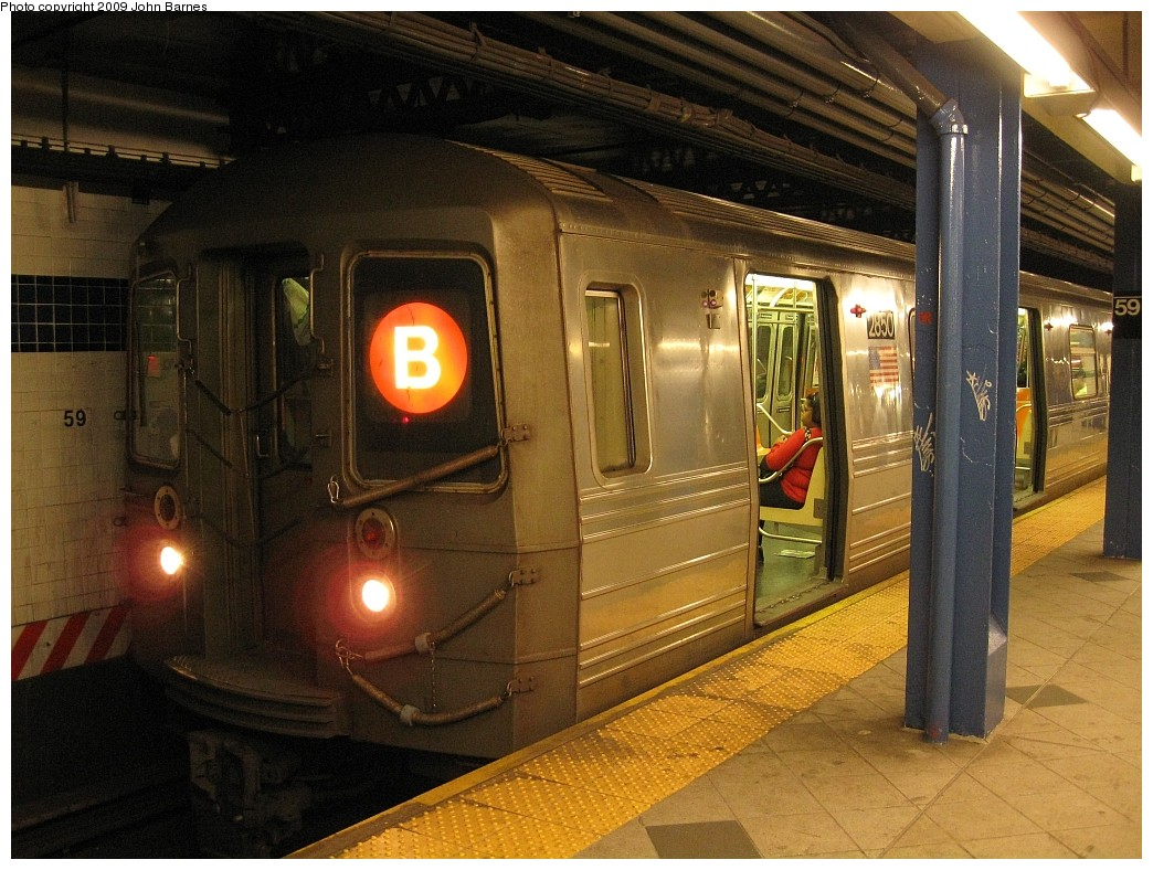 (244k, 1044x788)<br><b>Country:</b> United States<br><b>City:</b> New York<br><b>System:</b> New York City Transit<br><b>Line:</b> IND 8th Avenue Line<br><b>Location:</b> 59th Street/Columbus Circle <br><b>Route:</b> B<br><b>Car:</b> R-68 (Westinghouse-Amrail, 1986-1988)  2850 <br><b>Photo by:</b> John Barnes<br><b>Date:</b> 4/29/2009<br><b>Viewed (this week/total):</b> 1 / 1795