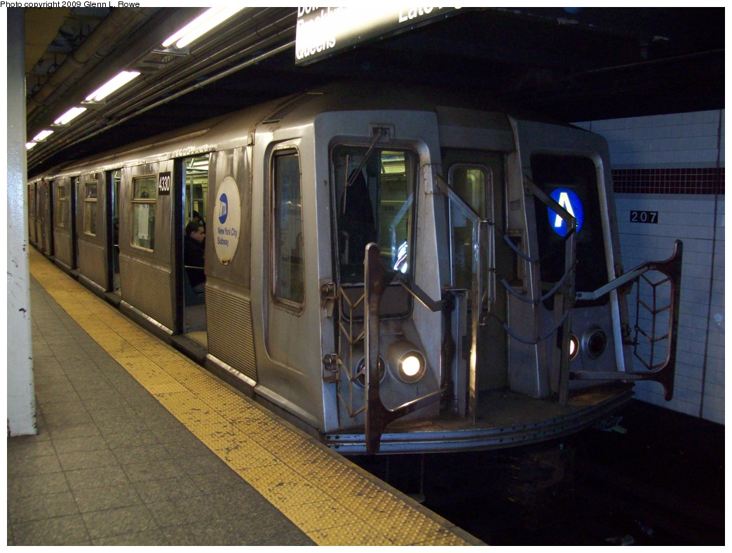 (203k, 1044x788)<br><b>Country:</b> United States<br><b>City:</b> New York<br><b>System:</b> New York City Transit<br><b>Line:</b> IND 8th Avenue Line<br><b>Location:</b> 207th Street <br><b>Route:</b> A<br><b>Car:</b> R-40 (St. Louis, 1968)  4330 <br><b>Photo by:</b> Glenn L. Rowe<br><b>Date:</b> 4/7/2009<br><b>Viewed (this week/total):</b> 2 / 741