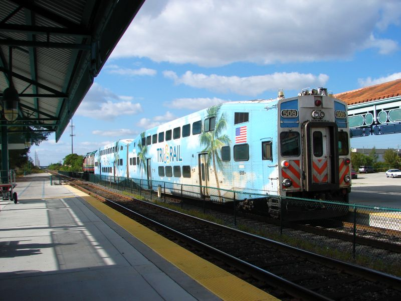 (85k, 800x600)<br><b>Country:</b> United States<br><b>City:</b> Miami, FL<br><b>System:</b> Miami Tri-Rail<br><b>Location:</b> Deerfield Beach (Amtrak) <br><b>Photo by:</b> Bob Vogel<br><b>Date:</b> 3/5/2009<br><b>Notes:</b> Bombardier cab TRCX 509<br><b>Viewed (this week/total):</b> 0 / 503