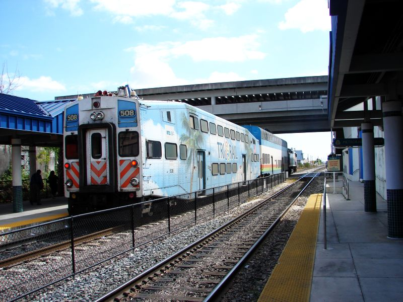 (106k, 800x600)<br><b>Country:</b> United States<br><b>City:</b> Miami, FL<br><b>System:</b> Miami Tri-Rail<br><b>Location:</b> Metrorail Transfer (Metrorail, Amtrak) <br><b>Photo by:</b> Bob Vogel<br><b>Date:</b> 3/6/2009<br><b>Notes:</b> Cab car TRCX 508 trailing train 625<br><b>Viewed (this week/total):</b> 0 / 458