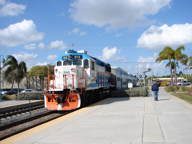 (80k, 800x600)<br><b>Country:</b> United States<br><b>City:</b> Miami, FL<br><b>System:</b> Miami Tri-Rail<br><b>Location:</b> Deerfield Beach (Amtrak) <br><b>Photo by:</b> Bob Vogel<br><b>Date:</b> 3/6/2009<br><b>Notes:</b> GP49 TRCX 812 shoving train P628 northbound<br><b>Viewed (this week/total):</b> 0 / 442