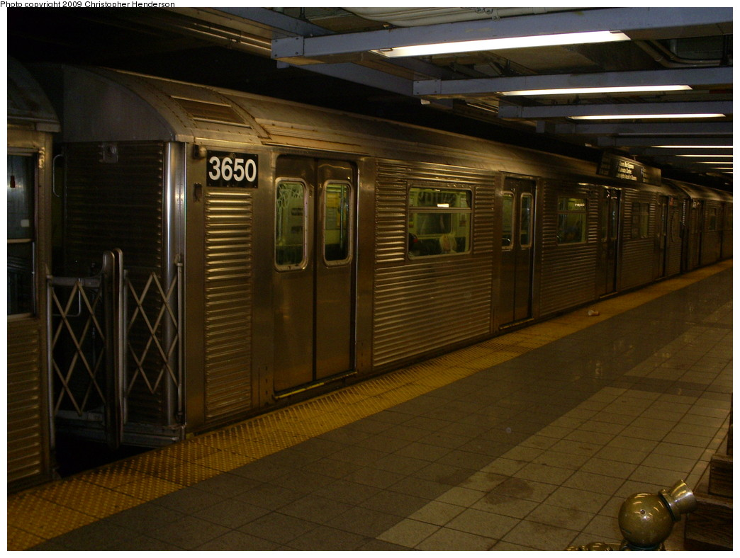 (242k, 1044x788)<br><b>Country:</b> United States<br><b>City:</b> New York<br><b>System:</b> New York City Transit<br><b>Line:</b> IND 8th Avenue Line<br><b>Location:</b> 14th Street <br><b>Route:</b> E<br><b>Car:</b> R-32 (Budd, 1964)  3650 <br><b>Photo by:</b> Christopher Henderson<br><b>Date:</b> 4/6/2009<br><b>Viewed (this week/total):</b> 1 / 732