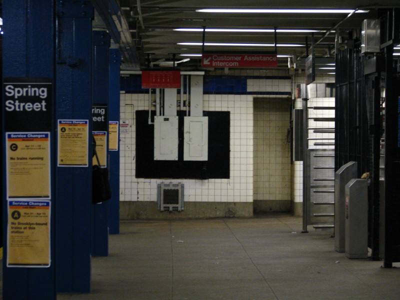 (107k, 800x600)<br><b>Country:</b> United States<br><b>City:</b> New York<br><b>System:</b> New York City Transit<br><b>Line:</b> IND 8th Avenue Line<br><b>Location:</b> Spring Street <br><b>Photo by:</b> Bill E.<br><b>Date:</b> 4/9/2009<br><b>Viewed (this week/total):</b> 1 / 500