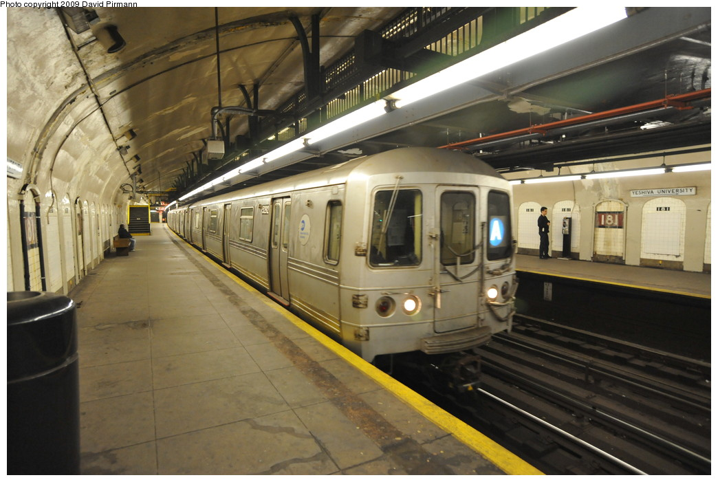 (250k, 1044x701)<br><b>Country:</b> United States<br><b>City:</b> New York<br><b>System:</b> New York City Transit<br><b>Line:</b> IND 8th Avenue Line<br><b>Location:</b> 181st Street <br><b>Route:</b> A<br><b>Car:</b> R-44 (St. Louis, 1971-73) 5292 <br><b>Photo by:</b> David Pirmann<br><b>Date:</b> 4/10/2009<br><b>Viewed (this week/total):</b> 1 / 559