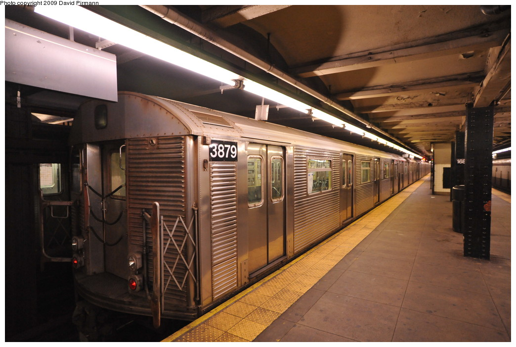 (252k, 1044x701)<br><b>Country:</b> United States<br><b>City:</b> New York<br><b>System:</b> New York City Transit<br><b>Line:</b> IND 8th Avenue Line<br><b>Location:</b> 168th Street <br><b>Route:</b> C<br><b>Car:</b> R-32 (Budd, 1964)  3879 <br><b>Photo by:</b> David Pirmann<br><b>Date:</b> 4/10/2009<br><b>Viewed (this week/total):</b> 7 / 997