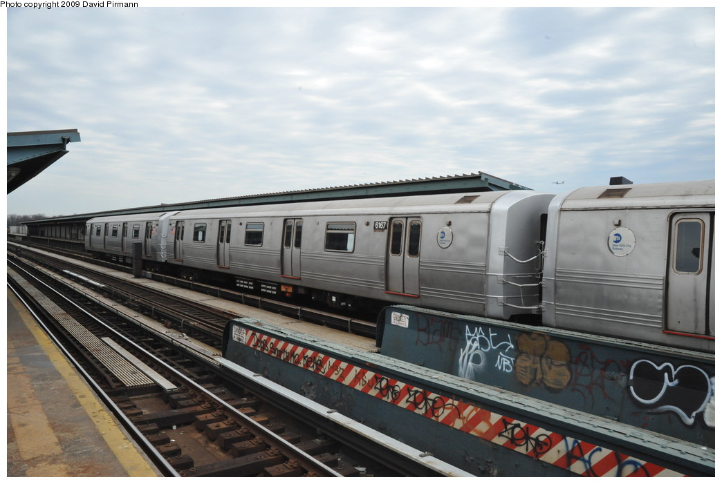 (231k, 1044x701)<br><b>Country:</b> United States<br><b>City:</b> New York<br><b>System:</b> New York City Transit<br><b>Line:</b> IND Fulton Street Line<br><b>Location:</b> 80th Street/Hudson Street <br><b>Route:</b> A<br><b>Car:</b> R-46 (Pullman-Standard, 1974-75) 6167 <br><b>Photo by:</b> David Pirmann<br><b>Date:</b> 4/10/2009<br><b>Viewed (this week/total):</b> 2 / 738