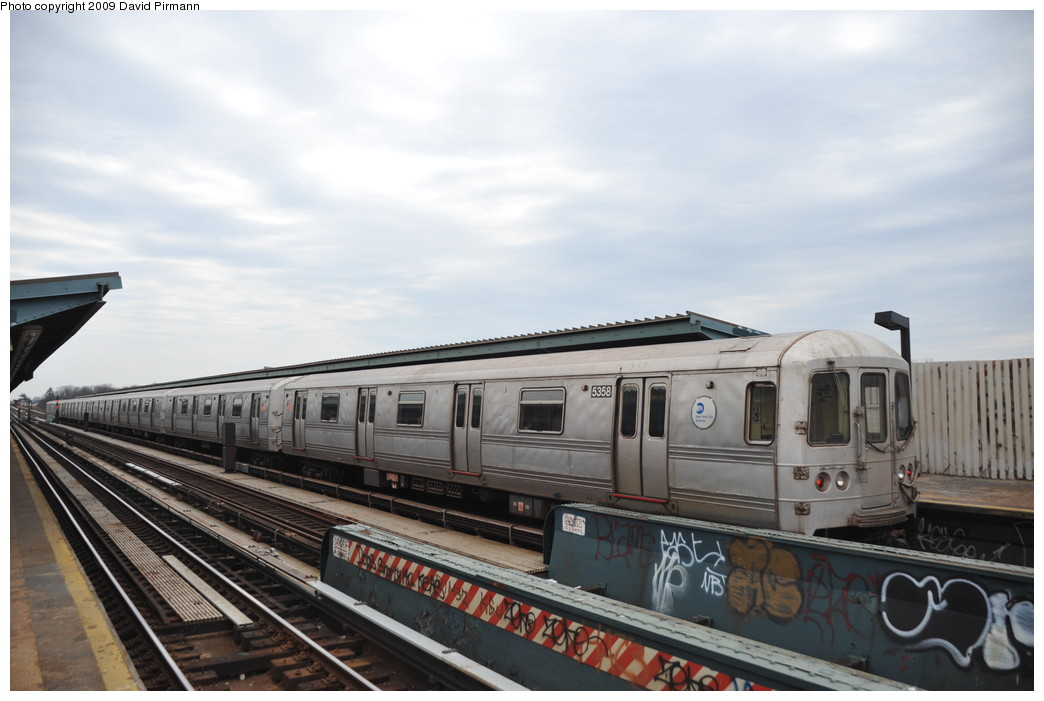 (212k, 1044x701)<br><b>Country:</b> United States<br><b>City:</b> New York<br><b>System:</b> New York City Transit<br><b>Line:</b> IND Fulton Street Line<br><b>Location:</b> 80th Street/Hudson Street <br><b>Route:</b> A<br><b>Car:</b> R-44 (St. Louis, 1971-73) 5358 <br><b>Photo by:</b> David Pirmann<br><b>Date:</b> 4/10/2009<br><b>Viewed (this week/total):</b> 3 / 379